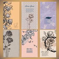Conjunto de cartões vintage com flores, bagas, borboletas e libélulas, feitas em estilo retro