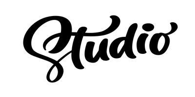 Mão de vetor desenhado rotulação palavra Studio. Citação de caligrafia manuscrita moderna elegante em inglês. Ilustração de tinta. Cartaz de tipografia em fundo branco. Para cartões, convites, impressões etc