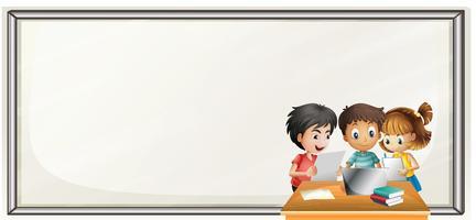 Modelo de fronteira com crianças fazendo lição de casa