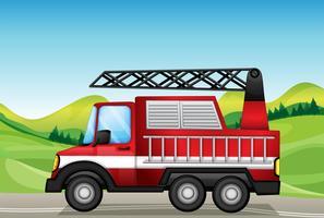O caminhão utilitário na estrada perto das colinas vetor