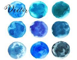 Conjunto de mancha de aquarela. Pontos em um fundo branco. Textura de aquarela com pinceladas. Azul, turquesa, verde, esmeralda. Mar, céu. Círculo. Isolado. Vetor. vetor