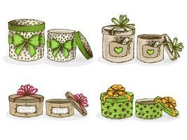 Caixas de chapéu abertas e fechadas com decoração