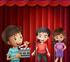 Crianças, falando, microfone vetor