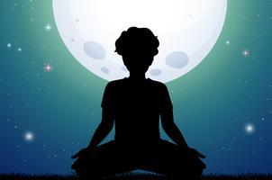 Homem de silhueta meditando no parque à noite vetor