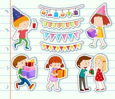 Design de adesivo com crianças felizes e decorações de festa vetor
