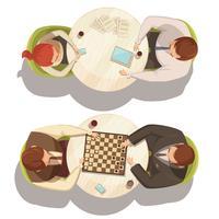 Pessoas com xícara de café em mesas redondas