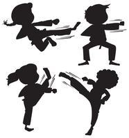 Conjunto de crianças de karatê de silhueta vetor