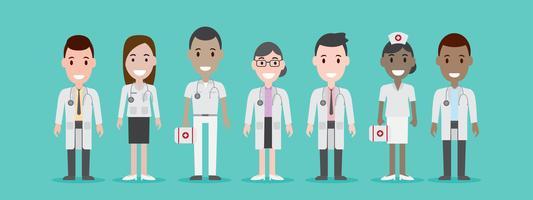 Grupo de médicos e enfermeiros masculinos e femininos.