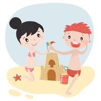 bonito crianças menino e menina construir castelo de areia no vetor plana de verão