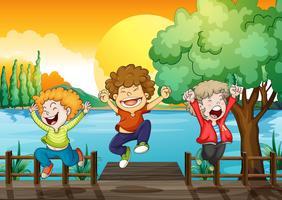 Três, feliz, meninos, em, a, ponte madeira vetor