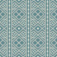 Teste padrão sem emenda do ornamento geométrico e das pérolas da corrente de prata no fundo azul. Ilustração vetorial