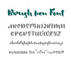 Roteiro escrito à mão do vetor do alfabeto inglês no fundo branco. Caligrafia informal Fonte manuscrita com letra maiúscula e minúscula e pontuação