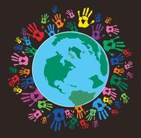 Mão colorida imprime ao redor da terra vetor