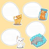4 papel em branco de gatos pequenos desenhados.