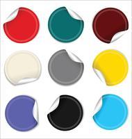 Vazio adesivos redondos na coleção de fundo branco vetor