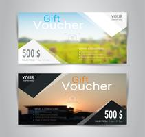 Vales-presente e vouchers, cupom de desconto ou modelo de banner web com fundo desfocado. vetor
