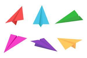 Avião de papel colorido ou conjunto de ícones de avião de origami - ilustração vetorial vetor