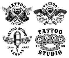 Conjunto de emblemas de tatuagem monocromática. vetor