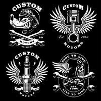 Conjunto de 4 ilustrações de motociclista vintage no fundo escuro_2