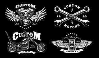 Conjunto de 4 ilustrações de motociclista vintage em background_1 escuro vetor