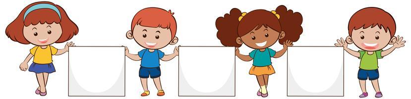 Quatro crianças, com, em branco, papeis