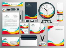 conjunto de papelaria colorido de negócios vetor