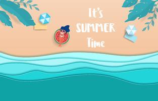 Ondas e praia azuis do papel do mar da vista superior. A menina quente no anel de borracha toma sol na temporada de verão.