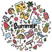 praia de verão desenhada mão doodles isolado vector símbolos e objetos ícone definido na lousa