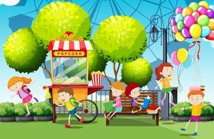Crianças, tendo divertimento, parque vetor