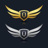 Escudo de asas carta modelo de logotipo Q vetor
