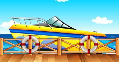 Parque de barco de alta velocidade pelo cais vetor
