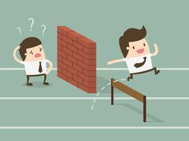 Homens de negócios na corrida. Uma batendo na parede e outra saltando sobre o obstáculo.