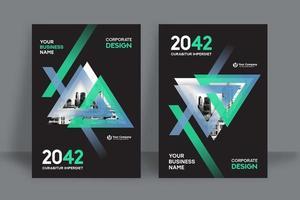 Molde moderno do projeto da capa do livro do negócio do fundo da cidade de Triangular