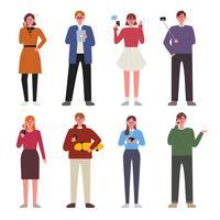 Pessoas que usam um conjunto de caracteres do celular
