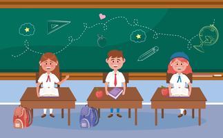 Alunos de menina e menino em mesas na sala de aula