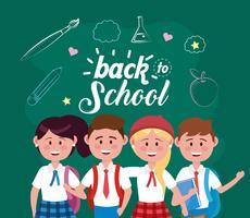 Voltar à mensagem da escola na lousa com grupo de estudantes