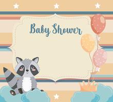 Cartão de chuveiro de bebê com guaxinim nas nuvens com balões vetor