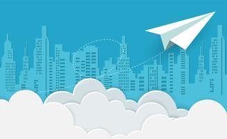 avião de papel branco voando no céu entre nuvens vetor