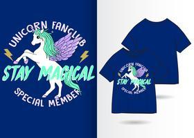 Design de camisa desenhada mão T do fã-clube unicórnio