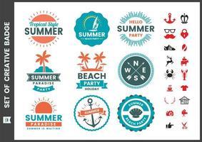 Conjunto de emblemas redondos coloridos verão vintage vetor