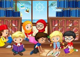 Crianças lendo livros na biblioteca vetor