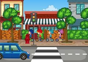 Bicicleta de equitação menino na cidade
