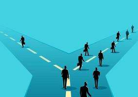 silhuetas de empresário tomando estradas diferentes