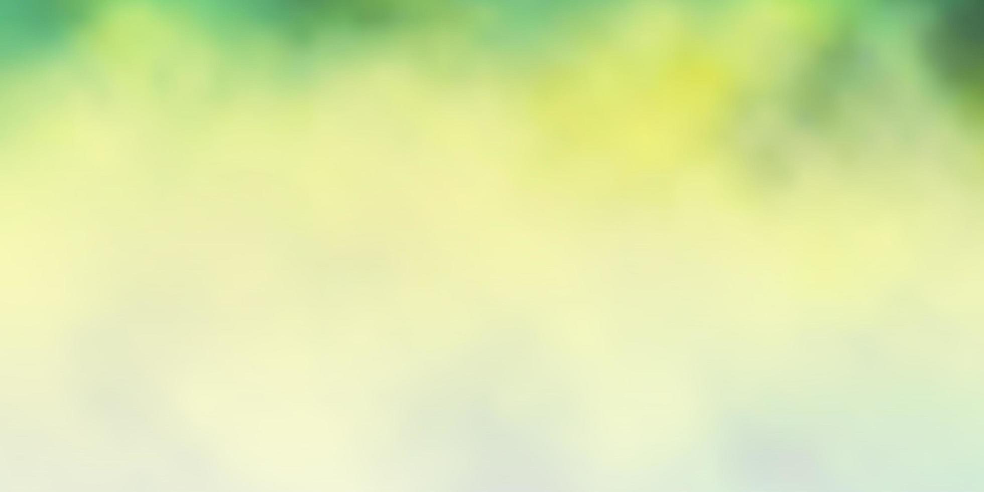 trama vettoriale verde chiaro, giallo con cielo nuvoloso.