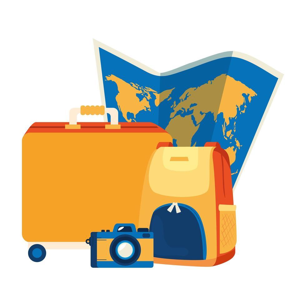 valigie con macchina fotografica e mappa cartacea vettore