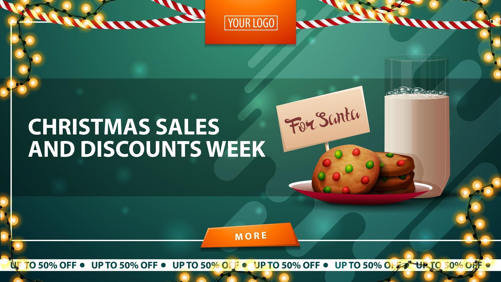 saldi natalizi e settimana di sconti, banner verde orizzontale con ghirlande, bottone arancione e biscotti con un bicchiere di latte per babbo natale vettore