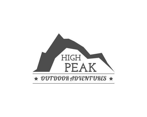 Distintivo del campo estivo vintage e altri logo, emblemi ed etichette per esterni. Concetto High Peak, design monocromatico. Ideale per siti di viaggio, web app, riviste di avventura. Facile cambiare colore. Vettore