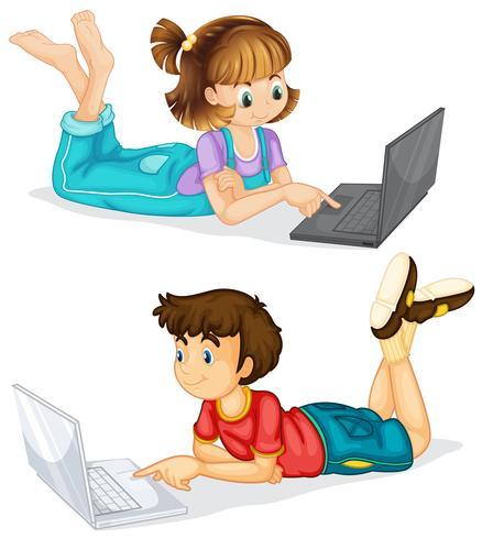 Bambini che utilizzano computer portatile su sfondo bianco vettore