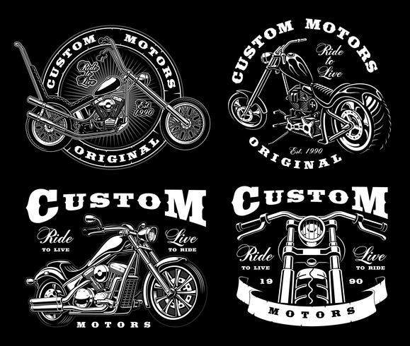 Un insieme di 4 illustrazioni d'annata del motociclista su background_3 scuro vettore