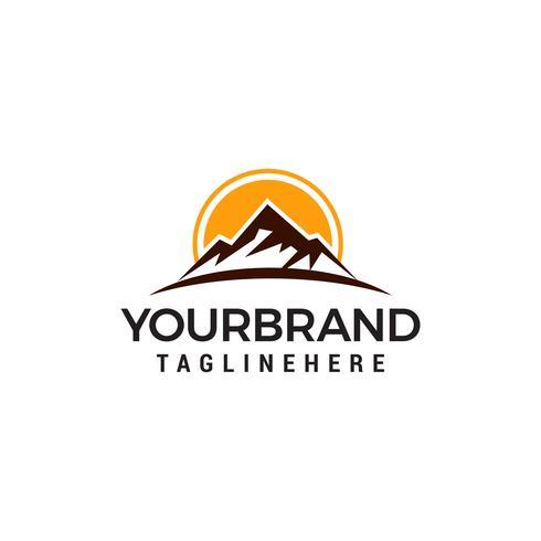 Vettore del modello di concetto di progettazione di logo del sole della montagna